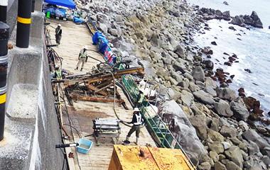 海岸での作業
