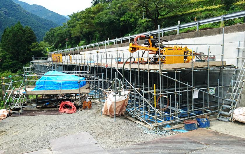 愛媛県アンカー工事(H27年8月)